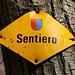 Im Tessin sind auch Bergwege oft als Wanderwege markiert. Der Aufstieg über den markierten Weg von Arogno zum Gipfel ist auf jeden Fall eine klare T2-Bergwanderung!