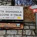 """Kurz bevor man die Gipfelplattform """"Balcone d'Italia"""" erreicht zweigt ein kleines Weglein zum höchsten Punkt der Sighignola ab."""