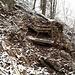 Im oberen Teil weist der Ziletenpfad vereinzelt alte Wegbefestigungen auf.