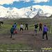 Volleyball im Basecamp, die Spanier wurden vom Platz gefegt.