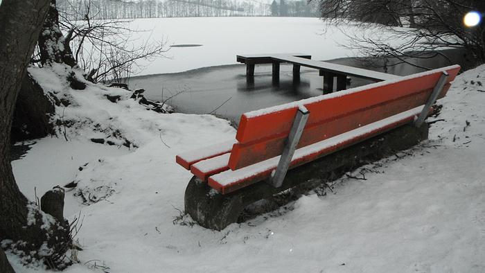 Ein Bild, das Schnee, draußen, Skifahren, bedeckt enthält.  Automatisch generierte Beschreibung