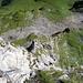 Ui, sieht schwindelig aus. Blick aus dem Klettersteig.