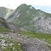 Wir folgen dem Bergweg zum Berghaus Männdlenen