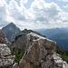 Blick vom Gipfel der Läuferspitze nach Osten zur Roten Flüh, dahinter verdeckt der Gimpel
