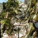 (natürliche?) Steintreppe in Aufstieg vom Fluss (Pkt. 542) zur Strasse