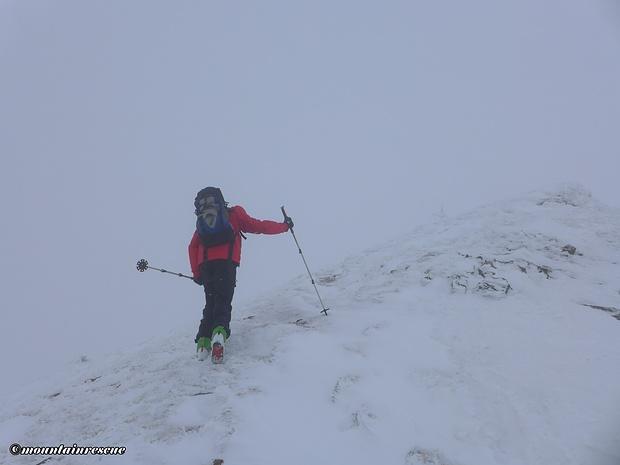 Die letzten Meter zum Gipfelkreuz geht es zu Fuß
