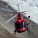 Volle Konzentration nur wenige Meter vom Fels entfernt – Air Zermatt bei einer Rettungsübung (?)