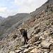 Aufstieg durch steile Schutthalden