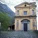 Il Santuario della Madonna del Castelletto<br />(a sx inizia il sentiero)