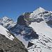 In der Gipfelflanke des Äusseren Fisitocks, rechts das Kleindoldenhorn, links die Blümlisalp