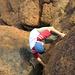 Varappe sur les rochers du sommet du Nalambu