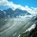 Umwerfende Sicht vom Col des Avouillons auf Glacier de Corbassière. Ganz links die Cabane de Panossière