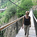 Schwingend über die Hängebrücke