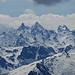 Herangezoomte Silvretta Riesen über dem inzwischen geschlossenen Skigebiet Silvretta Nova