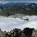 Blick vom Gipfel auf Glatscher dalla Greina (zusammengesetzt aus drei Einzelaufnahmen im Hochformat).