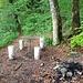Der in der vorherigen Bildlegende erwähnte alte Picknickplatz: hier nicht dem horizontalen Weg Richtung Staffel folgen, sondern steil zum Kulm aufsteigen.