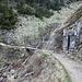 Im Aufstieg vom Riesengrund (Obří důl) zum Schlesierhaus (poln. Dom Śląski) - Wir passieren das ehemalige Wasserwerk für die Schneekoppe (tsch. Vodárna pro Sněžku): Bei unserem letzten Besuch war das kleine Gebäude [http://www.hikr.org/gallery/photo1682936.html?post_id=91093#1 im Schnee kaum zu erahnen].