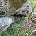 etwas später unterhalb dieser Felsen entlang