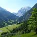 Schon ca. 200Hm über dem Ausgangspunkt - Blick nach Süden ins Seetal (Lünersee).