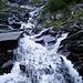 La cascata che raccoglie le acque dell pianoro dell'Alpe di Scaradra