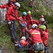 Bergretter übernehmen den weiteren, gesicherten Abtransport ins Tal