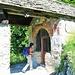 L'antica cappella cinquecentesca dedicata a san Nicola di Bari. Preceduta da un portico su colonne sulla volta d'ingresso è raffigurata un'Annunciazione con figure di santi ai lati.