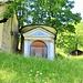 """Il piccolo oratorio, dedicato alla """"Salus Infirmorum"""" , nella frazione di Rivetto, poco distante dal nucleo dell'Alpe Seccio e vicino al rifugio """"La Baita"""".. L'edificio sostituisce una precedente chiesa abbattuta da una valanga nel 1845."""