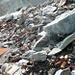 Tonnenweise Müll, die der Gletscher langsam freigibt... shame on unsere Vorfahren...