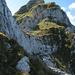 Blick zum Gipfel von oberhalb des zweiten Felsabsatzes