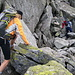 ... grossi blocchi granitici senza soluzione di continuità ricoperti di licheni... [u Ewuska] e Anna