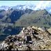 Auf dem Gipfel des Mittler Griessstocks, Blick auf Sittlisalp und (unter vielen anderen...) Hoch Fulen.
