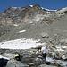 Auf 2780m. Von einem Punkt rechts oben (Hangende Gletscher Joch) kommt Route 133 (L bewertet) herunter. Ob dieser Weg noch gangbar ist ist fraglich.