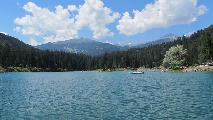 Ein Bild, das Wasser, draußen, Natur, Berg enthält.  Automatisch generierte Beschreibung