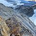 Eine schöne Verschneidung leitet nach oben. Die Steilheit ist mal wieder nur ansatzweise in Bildern einzufangen.