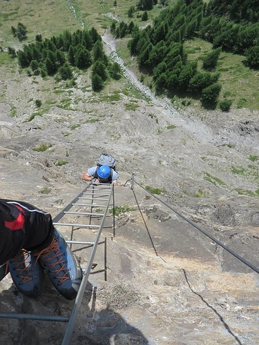 One of the last ladders of the Mammut-Klettersteig. It's quite nice to see how much we've climbed.