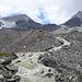 Reissender Schmelzwasserbach vom Abberg Gletscher