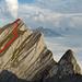 Abstiegsroute durch die Frümsel-NW-Flanke, rechts unten der Silberi