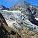 Rosenlauigletscher<br />Im Winter führt die Skitour zu Wetterhorn........ vom Schneefeld links des Gletscher über die Rampe links der Bildmitte, da wo es am wenigsten Spalten hat.