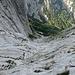 Der drahtseilgesicherte Abstieg durch die Steinerne Rinne... durchaus luftig
