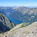 Blick vom Gipfel des Vorder Glärnisch runter zum Klöntalersee.
