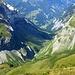 das Tal im Überblick bis Weisstannen - tief hat sich der Latvinabach eingegraben