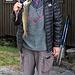 ... und die Hüttenwartin Inga präsentiert stolz die soeben gefangene Forelle