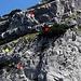 """Die Route """"Findus"""". Rot die Stände, die wir im Aufstieg benutzt haben. Gelb unsere beiden Abseilstände (mit 60m-Zwillingsseil)."""