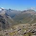 Blick hinunter ins Val da Fain. Links (vor dem Piz Morteratsch) der Piz Alv. Rechts markant der Piz Albris.