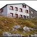 Rugghubelhütte, die z.Z. gerade umfassend erneuert und ausgebaut wird, Details siehe www.rugghubel.ch