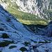 Blick hinunter ins Kaiserbachtal (kurz unterhalb des Schneelochs)