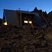 Sidelenhütte bei (fast) völliger Dunkelheit fotografiert