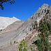 Blick zurück, links einer der Sägezähne am Sawtooth Pass