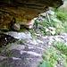 Treppenanlagen unter einem Felssporn - der alte Alpweg von Alpe Burki nach Alpe Rosareccio