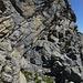 Die gutgriffige, relativ feste 10m hohe Wandstufe zur Rippe (III, Schlüsselstelle)
